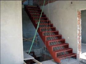 Цена на металлический каркас под лестницу в Днепре (Днепропетровске)