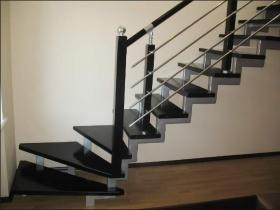 Изготовление лестниц на металлокаркассе. Узнать стоимость изготовления металлокаркаса для лестницы в Днепре (Днепропетровске)