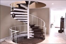 Изготовление металлических лестниц на опорной колонне в Днепре (Днепропетровске)
