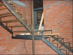 Изготовление железного каркаса лестницы для обшивки, отделки в Днепре (Днепропетровске)