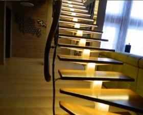 Металлические лестницы с освещением на заказ в Днепре (Днепропетровск)