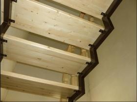 Монтаж и Отделка металлического каркаса лестницы деревом в Днепре (Днепропетровске)
