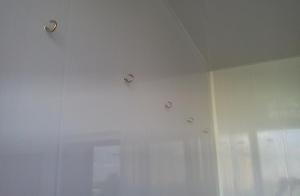 Усиленный крепеж под веревки для сушилки для балкона.