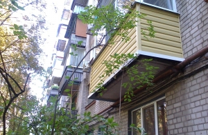Наружная отделка балкона САЙДИНГОМ Днепропетровск