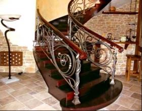 Заказать металлические лестницы с перилами / без перил Днепр (Днепропетровск)