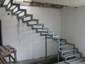 Заказать сварные лестницы из металла, каркас из профильной трубы, каркас из металлического профиля в Днепре (Днепропетровске) на заказ